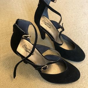 New Seychelles suede Mary Jane pumps size 9.5
